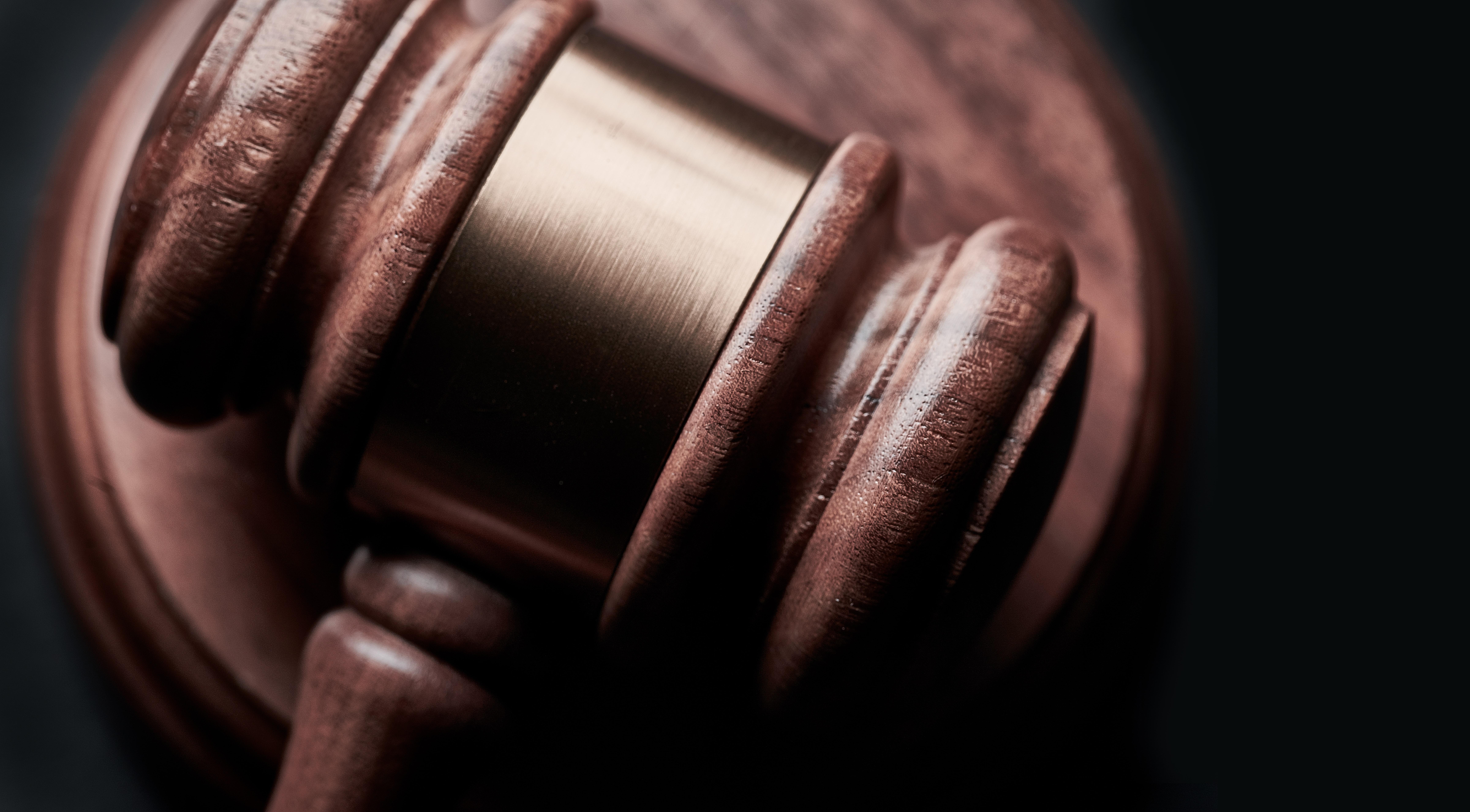 El Consejo General de la Abogacía Española y el Ministerio de Política Territorial, han firmado un Convenio para que los abogados puedan tramitar los expedientes  de extranjería de sus clientes por vía telemática